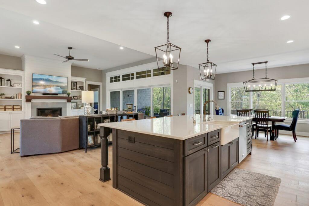 Hardwood in Kitchen/Livingroom
